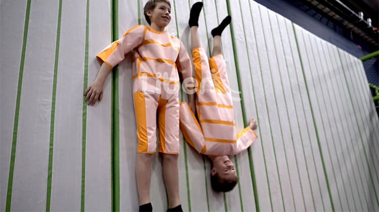 New Popular Trampoline Park Game Velcro Wall (1)