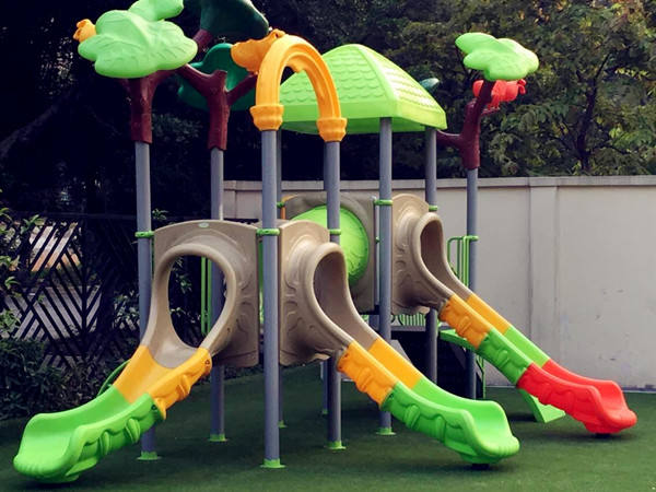 Nature Tree Outdoor Play Structure