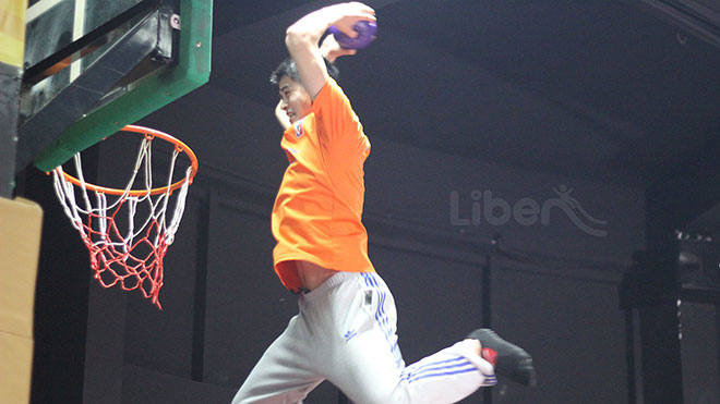 Slam Dunk  Indoor Trampoline Games