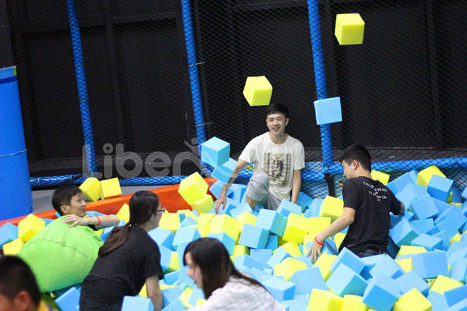 Customize Trampoline Park-Foam Pit